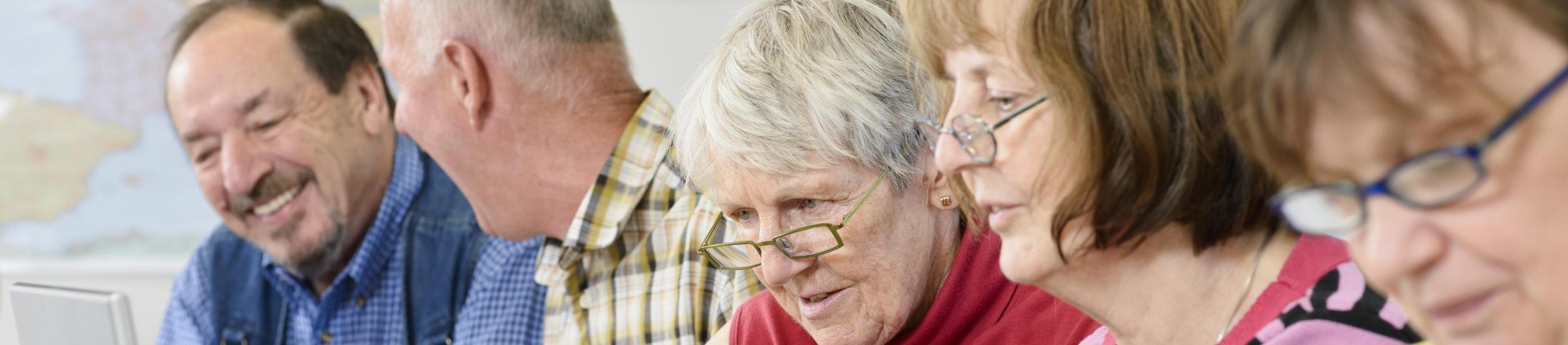 Cassiopea Prévention Seniors propose des actions variées pour soutenir les personnes âgées et leurs proches dans leur vie quotidienne et favoriser leur bien vieillir.